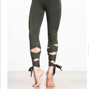 Pants - NWT Lace up sports leggings. Olive green. Large